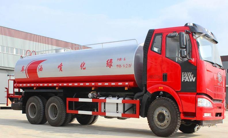 河南安阳客户订购解放20吨洒水车